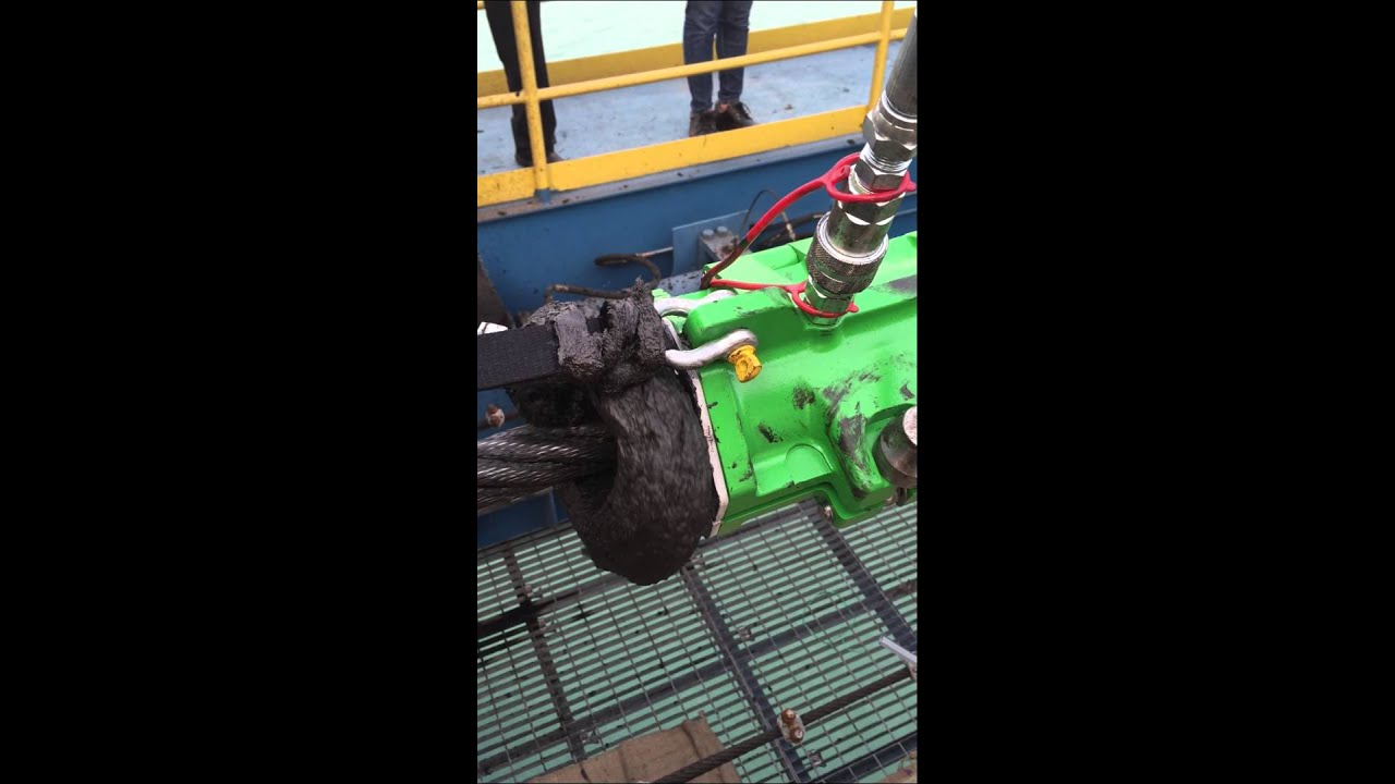 Viper WRL cleaning and lubricating a wire rope
